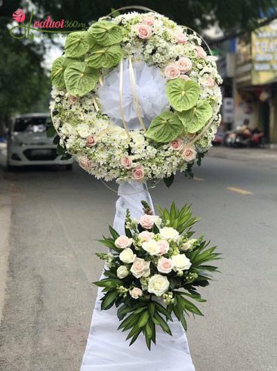 Vòng hoa chia buồn - Phút vô thường